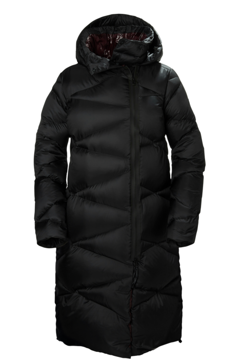 439bb390a Here's What to Wear for a Winter Week in Iceland Helly Hansen